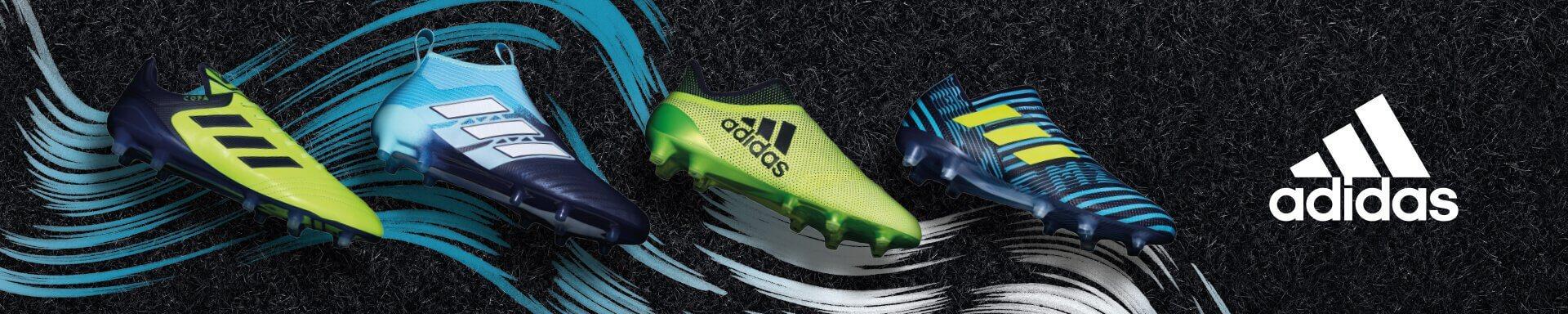 Adidas brede voetbalschoenen