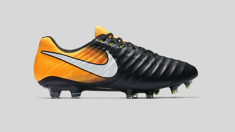 Nike tiempo brede voeten